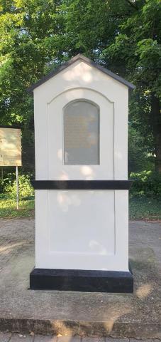 Obnovený Koháryho pamätník s areálom